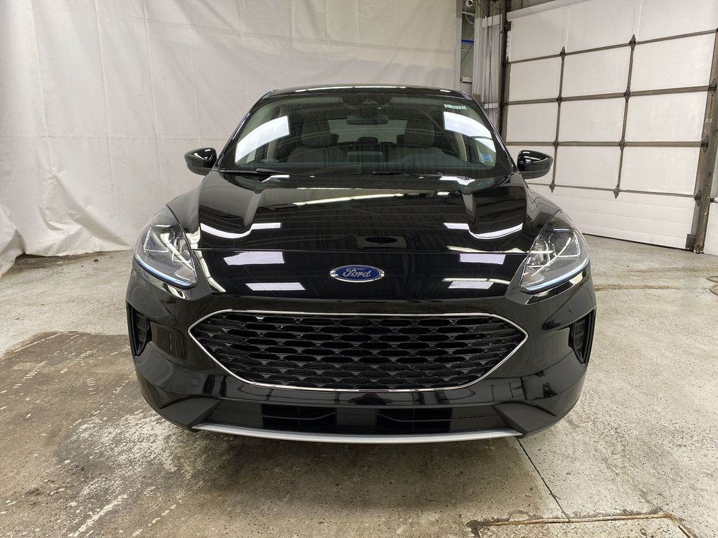 Black[Agate Black Metallic] 2020 Ford Escape Front Vehicle Photo in Dartmouth NS