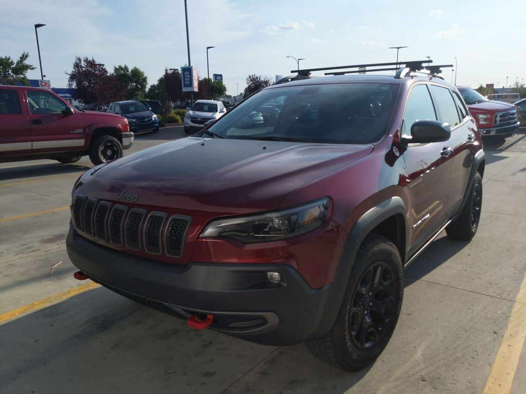 Red[PRV,Velvet Red Pearl] 2020 Jeep Cherokee Trailhawk