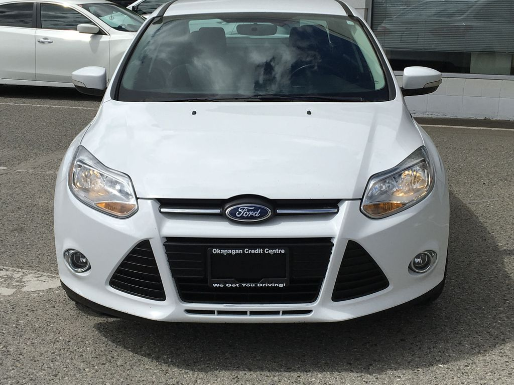 White[Oxford White] 2014 Ford Focus SE Front Vehicle Photo in Kelowna BC