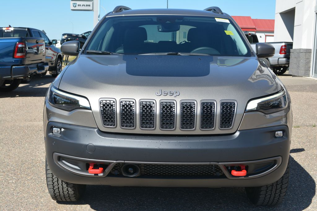 Light Brownstone Pearl Coat 2020 Jeep Cherokee Front Vehicle Photo in Bonnyville AB
