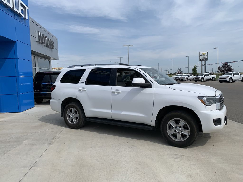 White[Alpine White] 2018 Toyota Sequoia Left Front Rim and Tire Photo in Fort Macleod AB