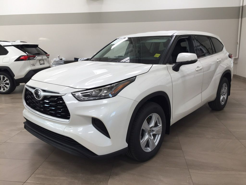 White[Blizzard Pearl] 2020 Toyota Highlander L Left Front Corner Photo in Sherwood Park AB