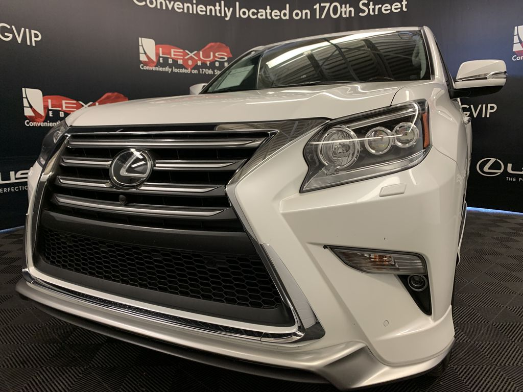 White[Starfire Pearl] 2018 Lexus GX Left Front Head Light / Bumper and Grill in Edmonton AB