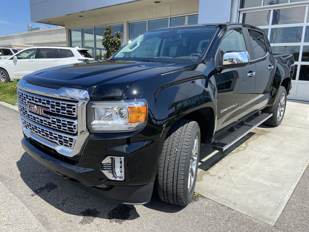 Black[Onyx Black] 2021 GMC Canyon Denali Left Front Head Light / Bumper and Grill in Calgary AB