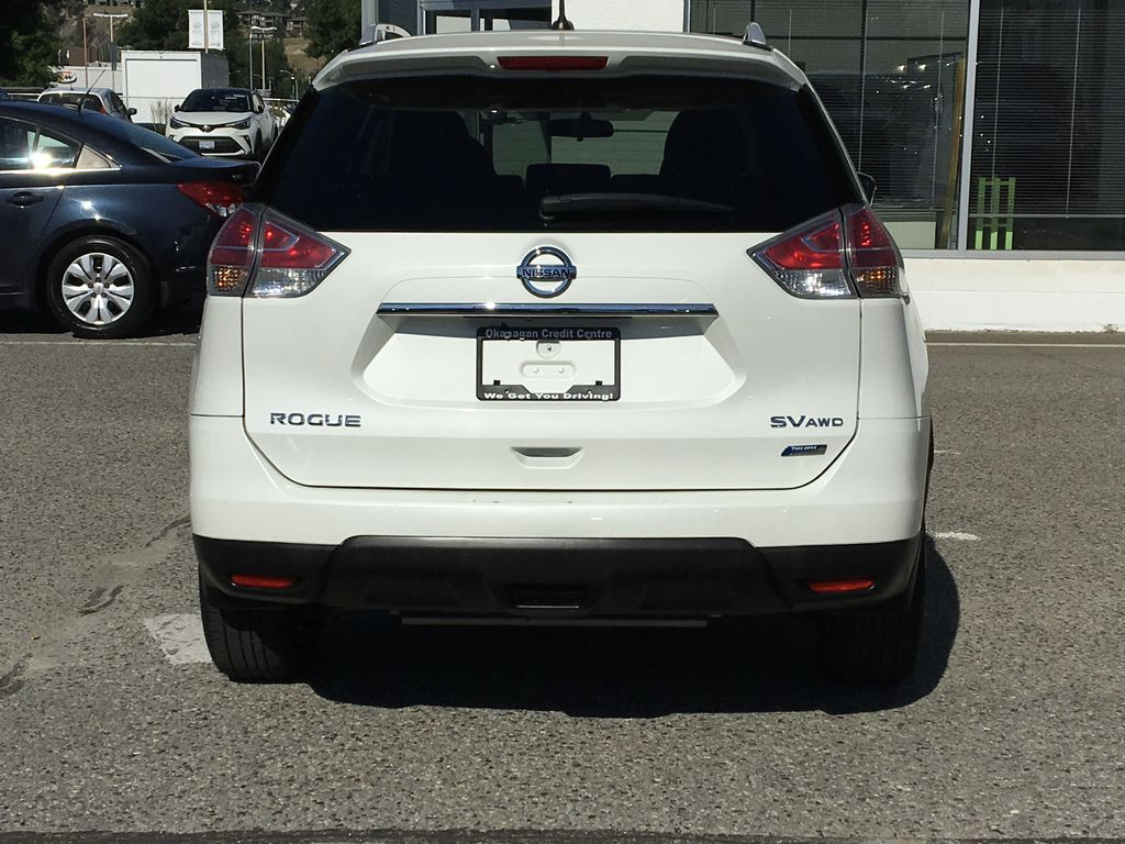 White[Pearl White] 2015 Nissan Rogue SV AWD Rear of Vehicle Photo in Kelowna BC