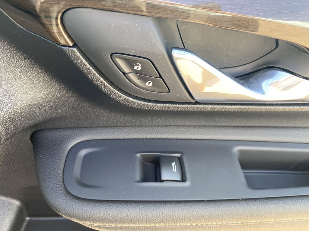 Black[Ebony Twilight Metallic] 2020 GMC Terrain Passenger Front Door Controls Photo in Edmonton AB