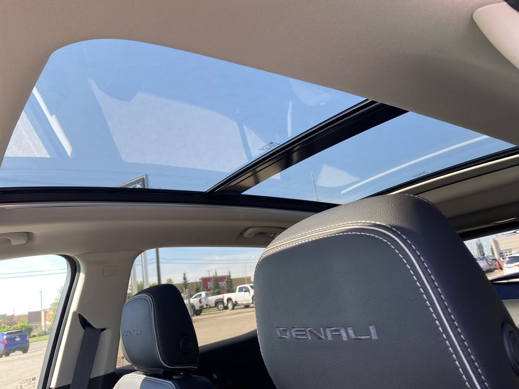 Black[Ebony Twilight Metallic] 2020 GMC Terrain Sunroof Photo in Edmonton AB