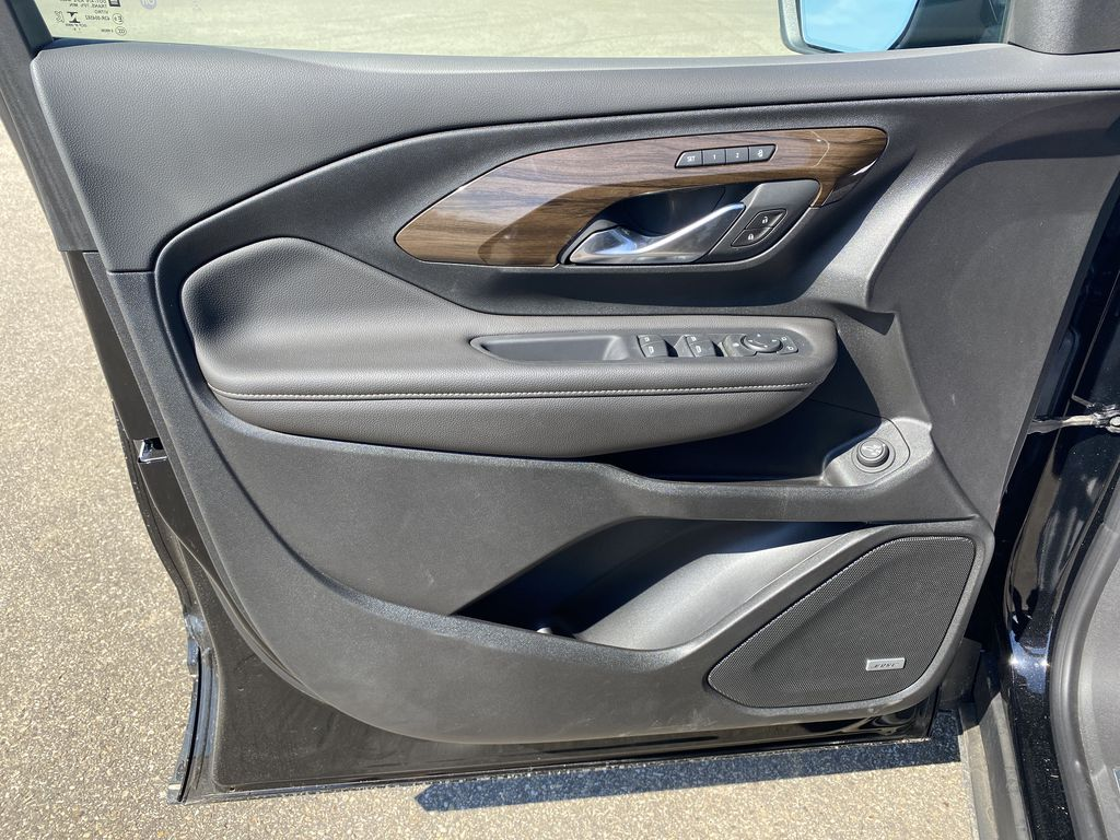 Black[Ebony Twilight Metallic] 2020 GMC Terrain Left Front Interior Door Panel Photo in Edmonton AB