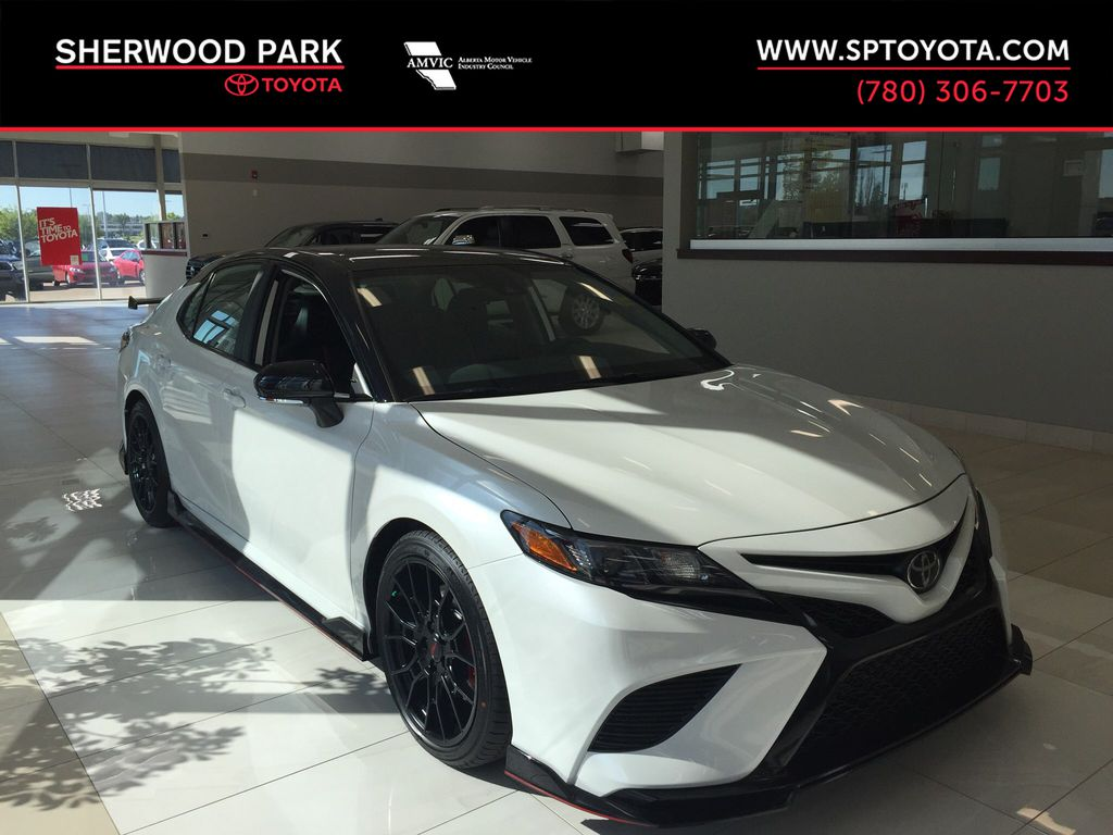 White[Wind Chill w/Black Roof] 2020 Toyota Camry TRD