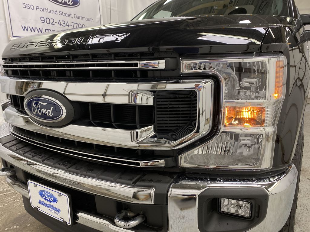 Black[Agate Black Metallic] 2020 Ford Super Duty F-250 SRW Left Front Head Light / Bumper and Grill in Dartmouth NS