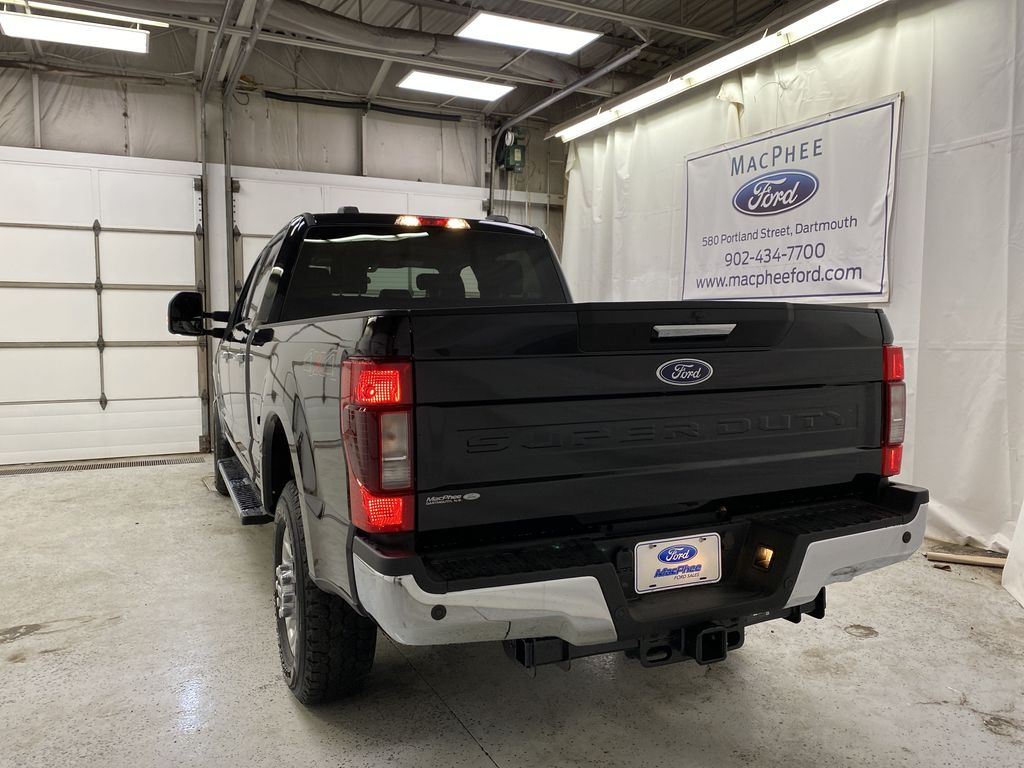 Black[Agate Black Metallic] 2020 Ford Super Duty F-250 SRW Rear of Vehicle Photo in Dartmouth NS