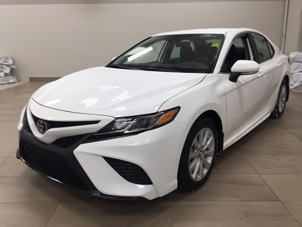 White[Super White] 2020 Toyota Camry SE Left Front Corner Photo in Sherwood Park AB