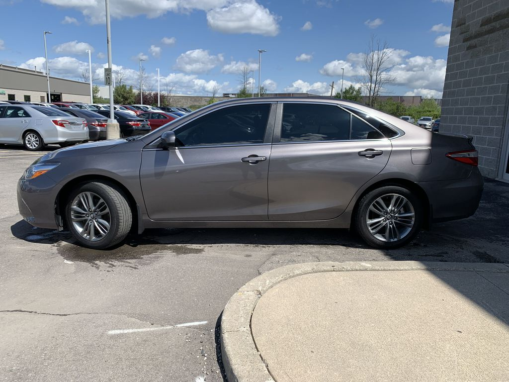 2017 Toyota Camry Left Front Rim and Tire Photo in Brampton ON