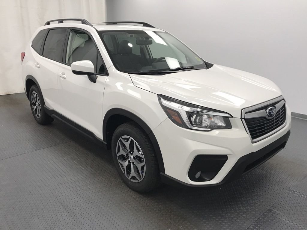 White 2020 Subaru Forester Left Front Head Light / Bumper and Grill in Lethbridge AB