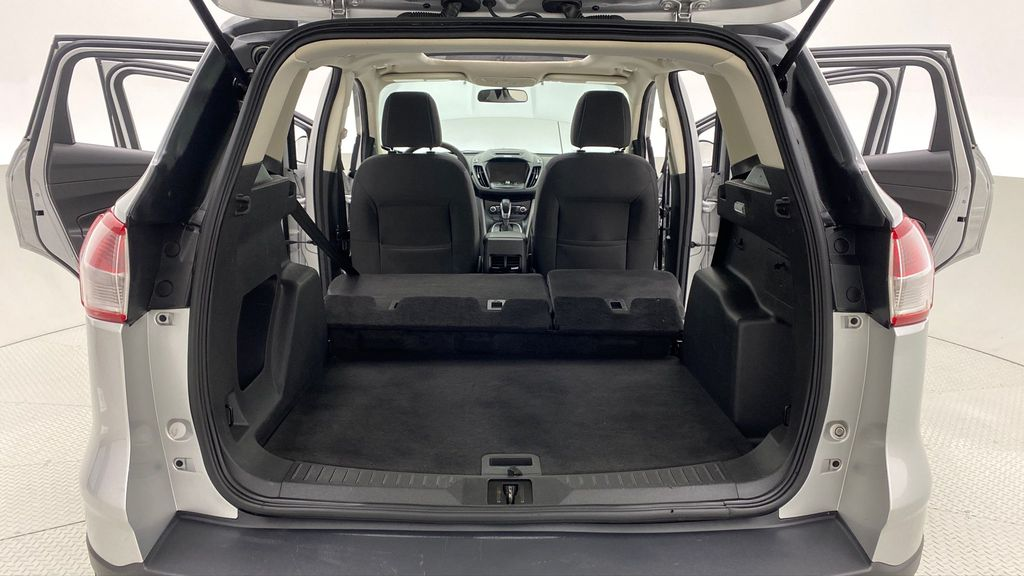Silver[Ingot Silver Metallic] 2014 Ford Escape SE AWD - Panoramic Roof, MyFord Touch, SAT Radio Rear Seat: Cargo/Storage Photo in Winnipeg MB