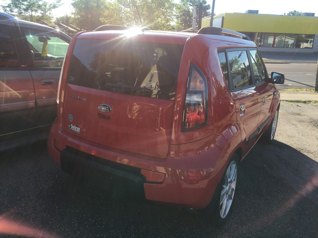 """Red[Molten] 2010 Kia Soul 4U ''FULLY LOADED''DEALER TRADE IN''DRIVES & LOOKS GREAT """""""" Rear of Vehicle Photo in St.Catherines ON"""