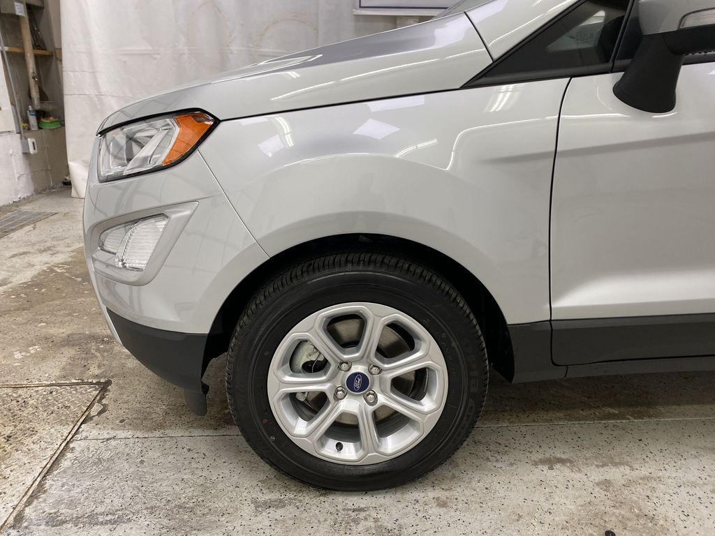 Silver[Moondust Silver Metallic] 2020 Ford EcoSport Left Front Rim and Tire Photo in Dartmouth NS