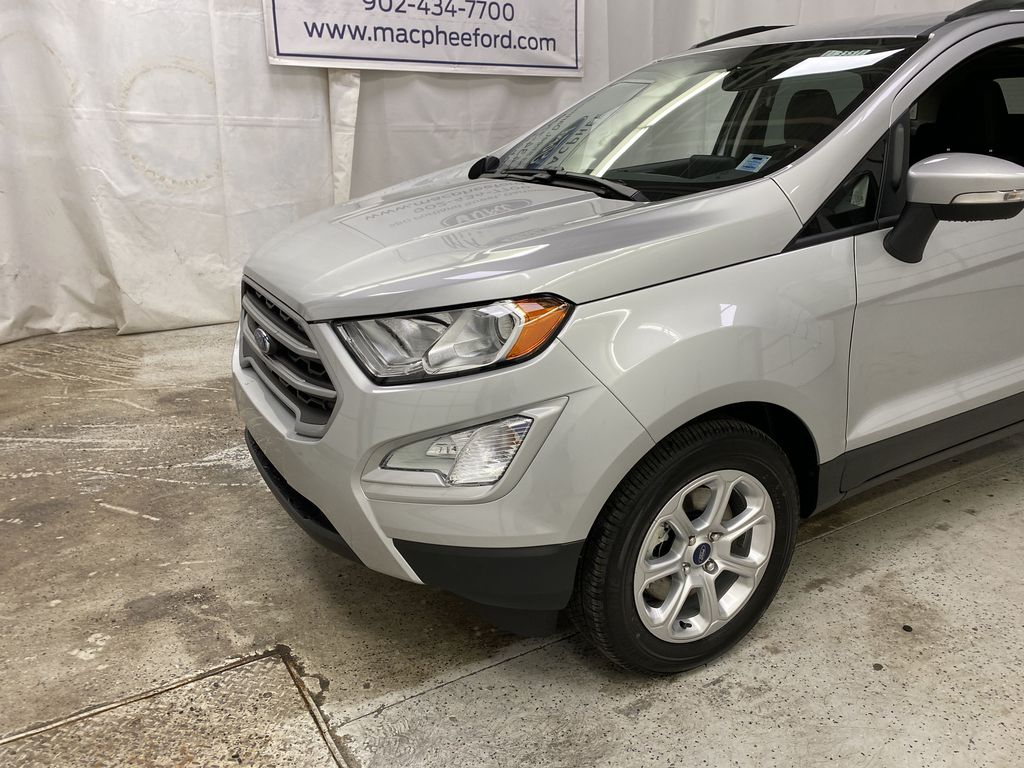 Silver[Moondust Silver Metallic] 2020 Ford EcoSport Left Front Corner Photo in Dartmouth NS