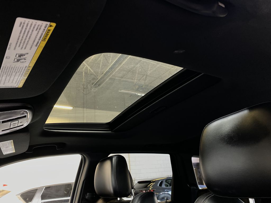 SILVER 2014 Jeep Grand Cherokee Limited - Summer/Winter Tires, Remote Start, Heated Leather Sunroof Photo in Edmonton AB