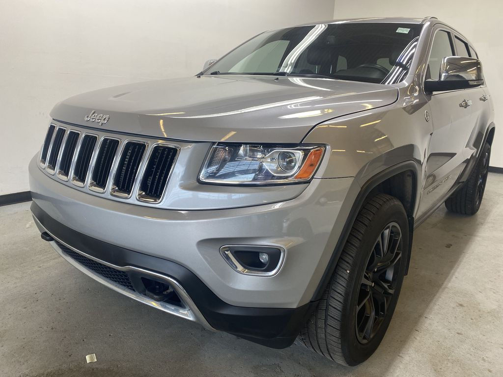 SILVER 2014 Jeep Grand Cherokee Limited - Summer/Winter Tires, Remote Start, Heated Leather Left Front Head Light / Bumper and Grill in Edmonton AB