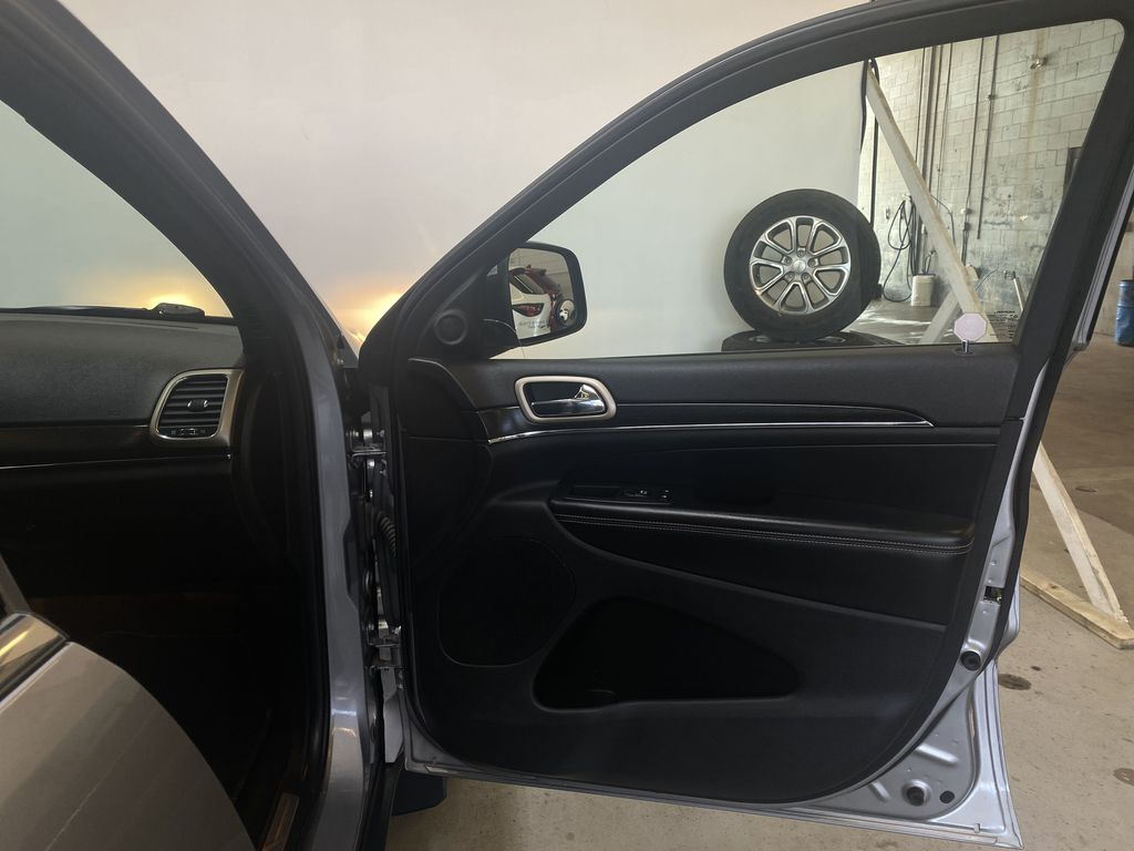 SILVER 2014 Jeep Grand Cherokee Limited - Summer/Winter Tires, Remote Start, Heated Leather Right Front Interior Door Panel Photo in Edmonton AB