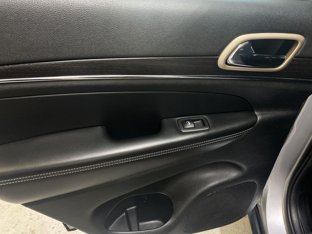 SILVER 2014 Jeep Grand Cherokee Limited - Summer/Winter Tires, Remote Start, Heated Leather LR Door Panel Ctls Photo in Edmonton AB