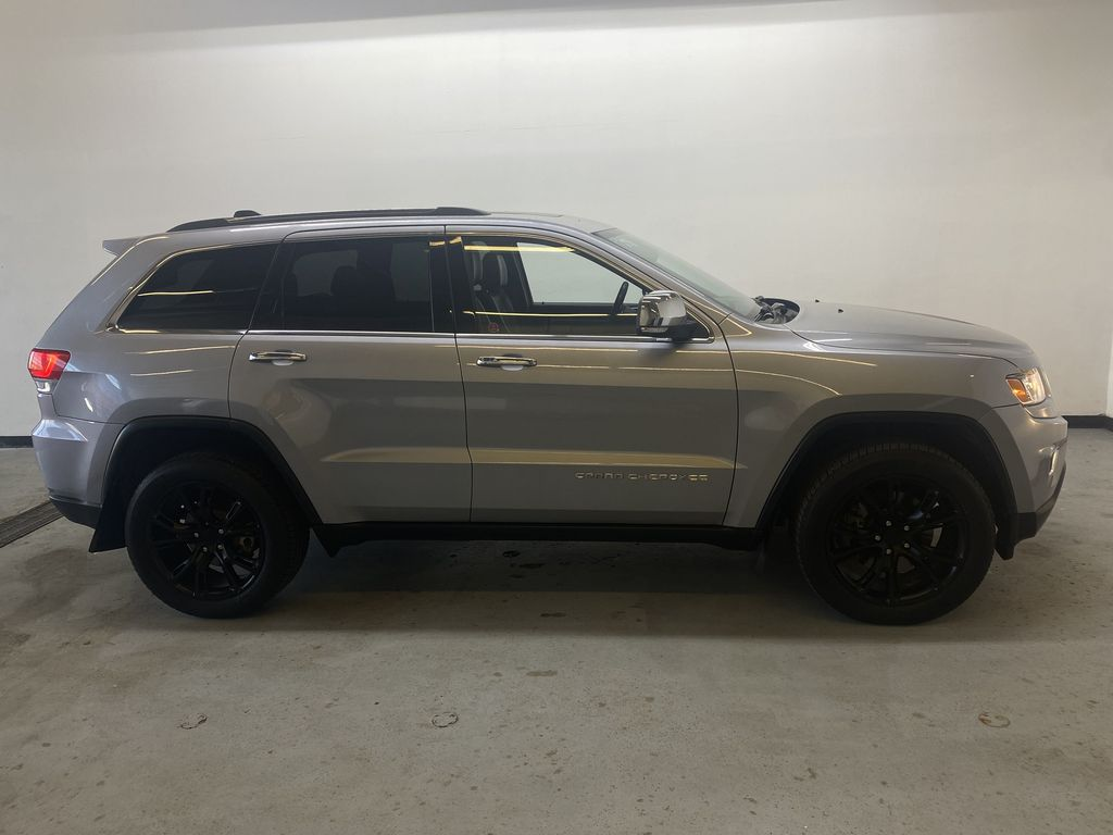 SILVER 2014 Jeep Grand Cherokee Limited - Summer/Winter Tires, Remote Start, Heated Leather Right Side Photo in Edmonton AB