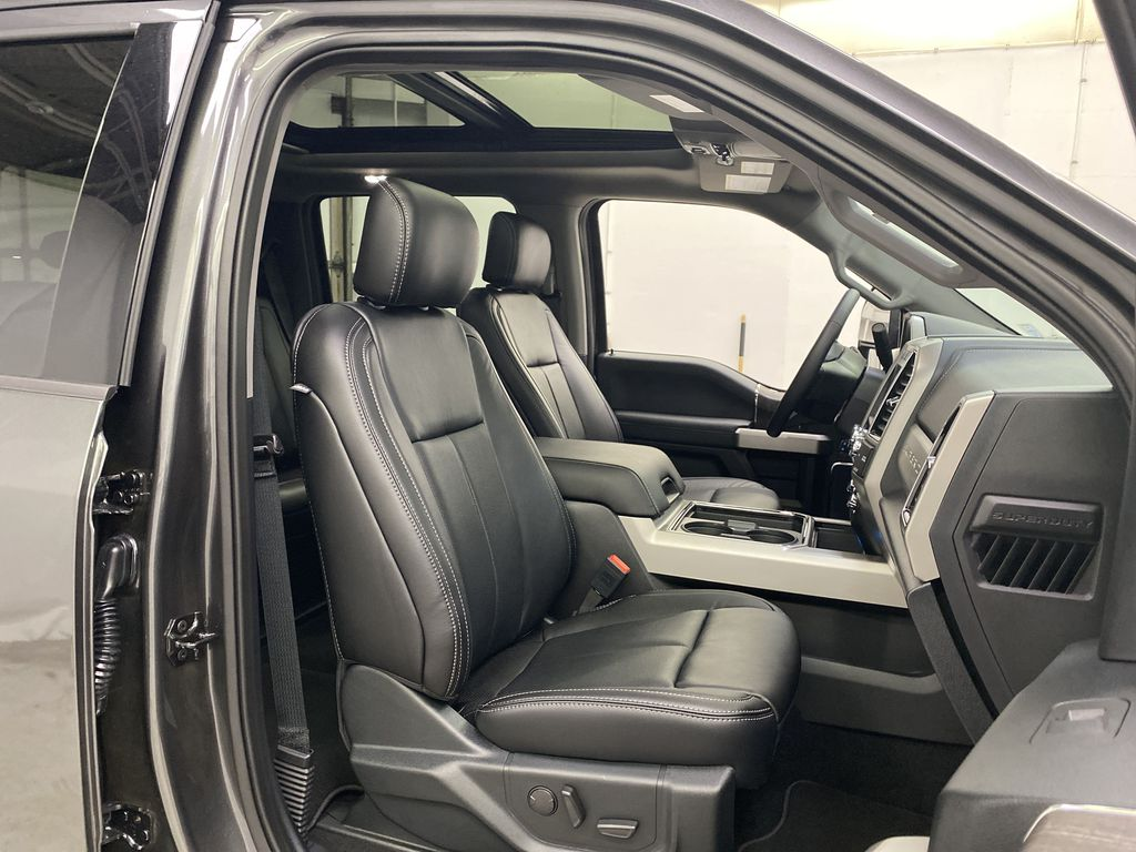 MAGNETIC 2020 Ford Super Duty F-250 SRW Right Side Front Seat  Photo in Dartmouth NS