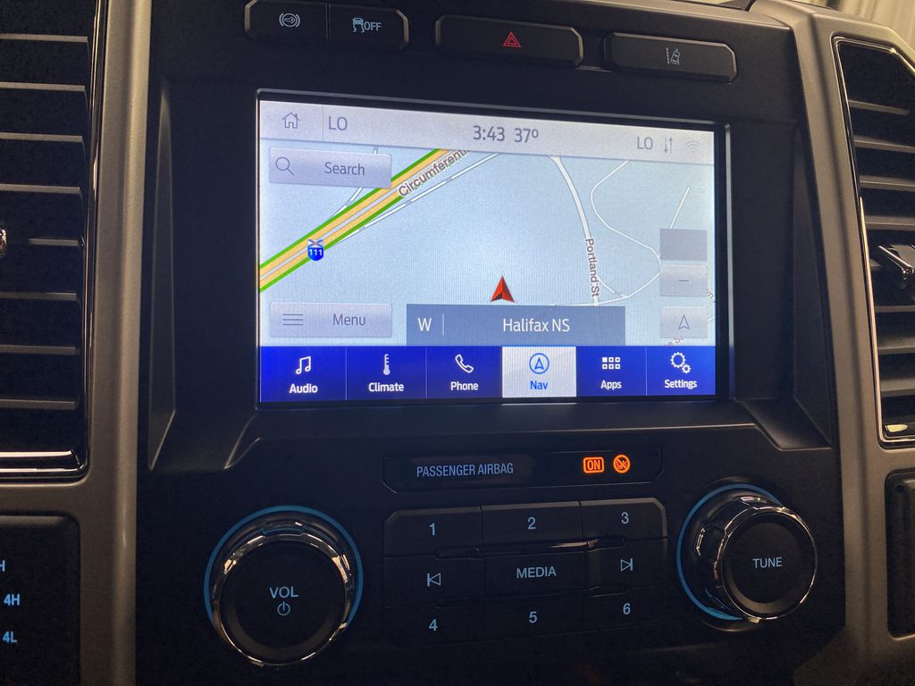 MAGNETIC 2020 Ford Super Duty F-250 SRW Navigation Screen Closeup Photo in Dartmouth NS