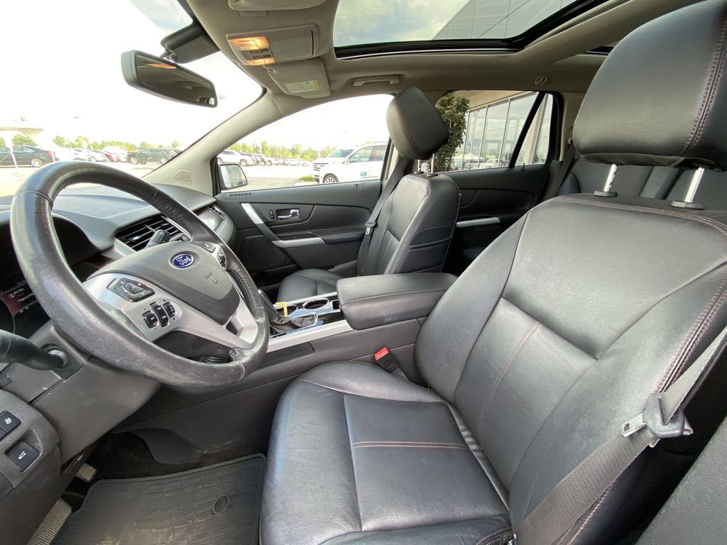 Gray[Mineral Grey] 2014 Ford Edge SEL Left Front Interior Photo in Calgary AB