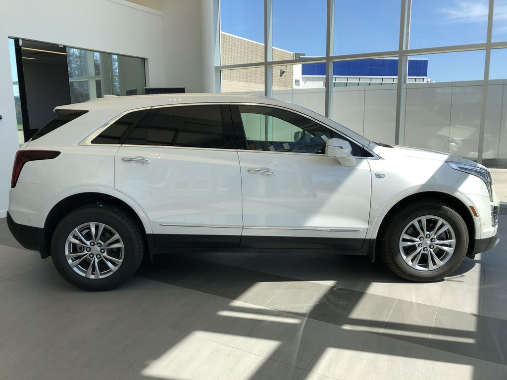 White[Crystal White Tricoat] 2020 Cadillac XT5 Right Side Photo in Edmonton AB