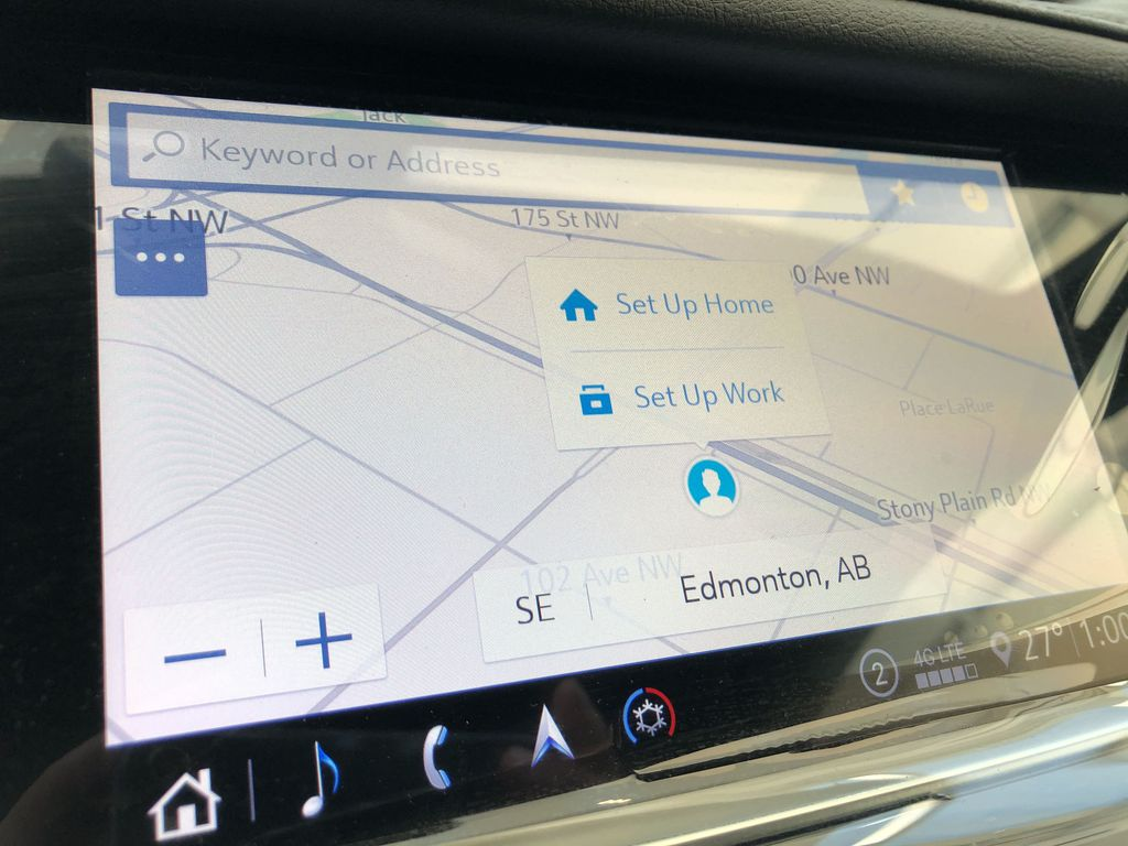 White[Crystal White Tricoat] 2020 Cadillac XT5 Navigation Screen Closeup Photo in Edmonton AB