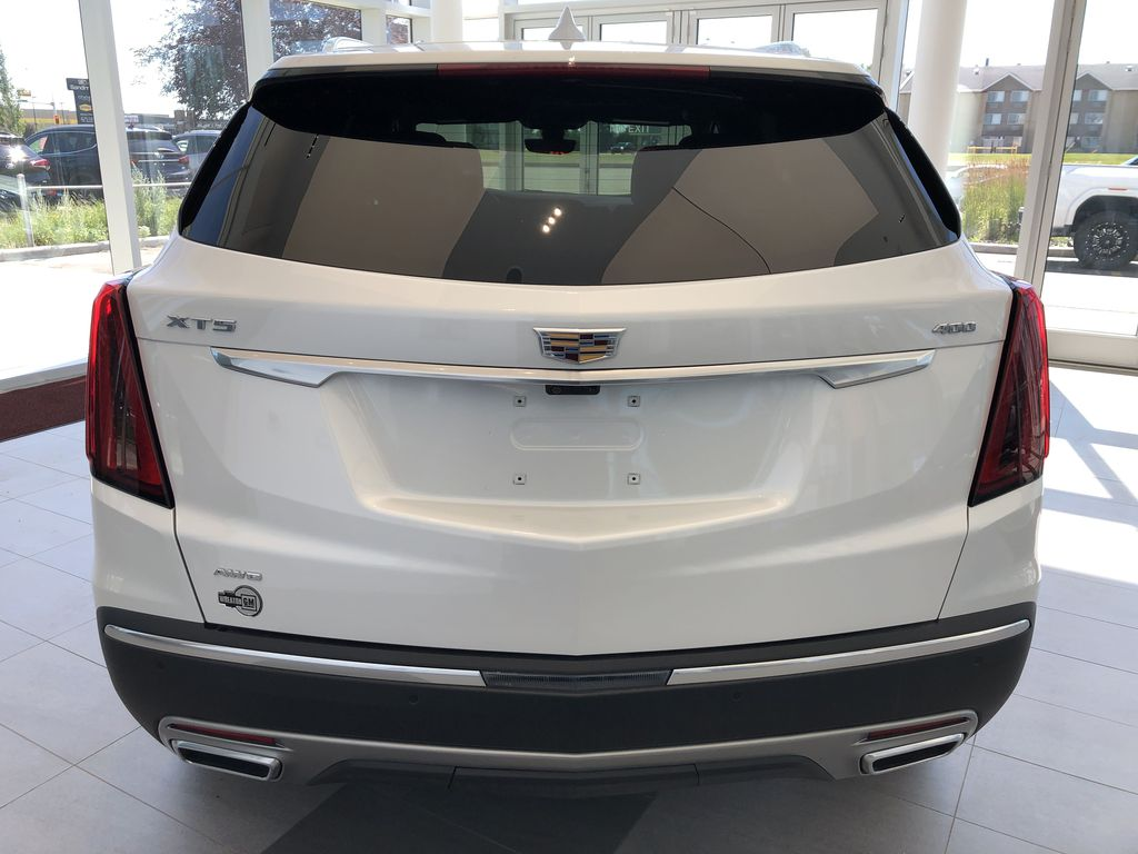 White[Crystal White Tricoat] 2020 Cadillac XT5 Rear of Vehicle Photo in Edmonton AB