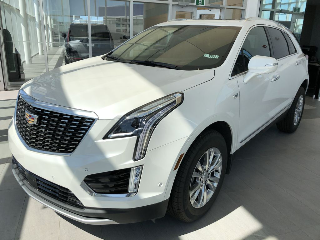 White[Crystal White Tricoat] 2020 Cadillac XT5 Left Front Corner Photo in Edmonton AB