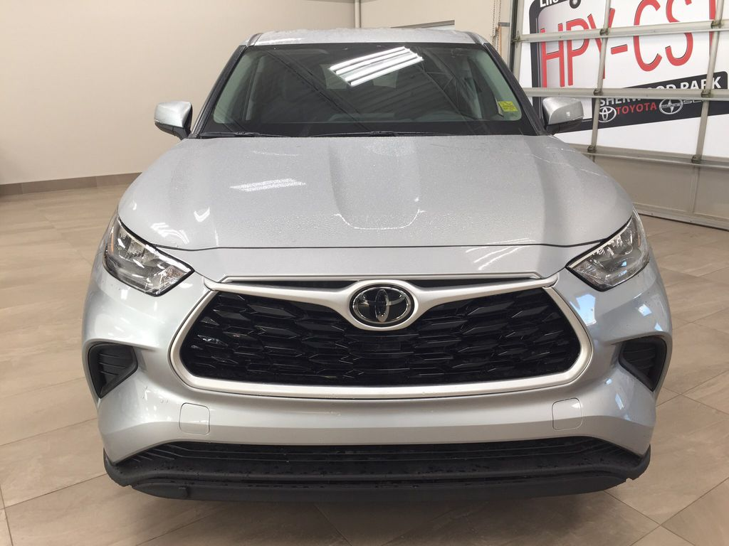 Silver[Celestial Silver Metallic] 2020 Toyota Highlander LE AWD Front Vehicle Photo in Sherwood Park AB