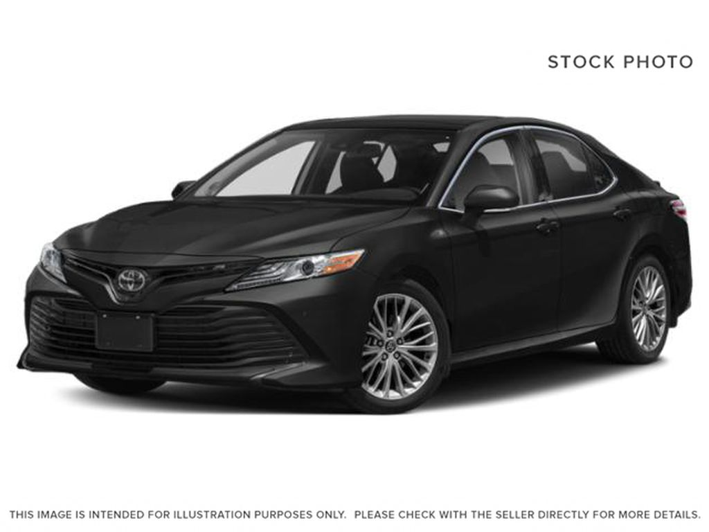Black[Midnight Black Metallic] 2020 Toyota Camry