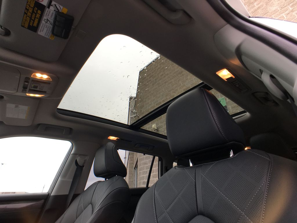 White[Blizzard Pearl] 2020 Toyota Highlander AWD Platinum Package DZRBHT BC Sunroof Photo in Brampton ON