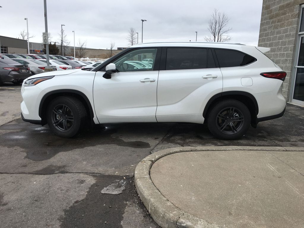 White[Blizzard Pearl] 2020 Toyota Highlander AWD Platinum Package DZRBHT BC Left Side Photo in Brampton ON