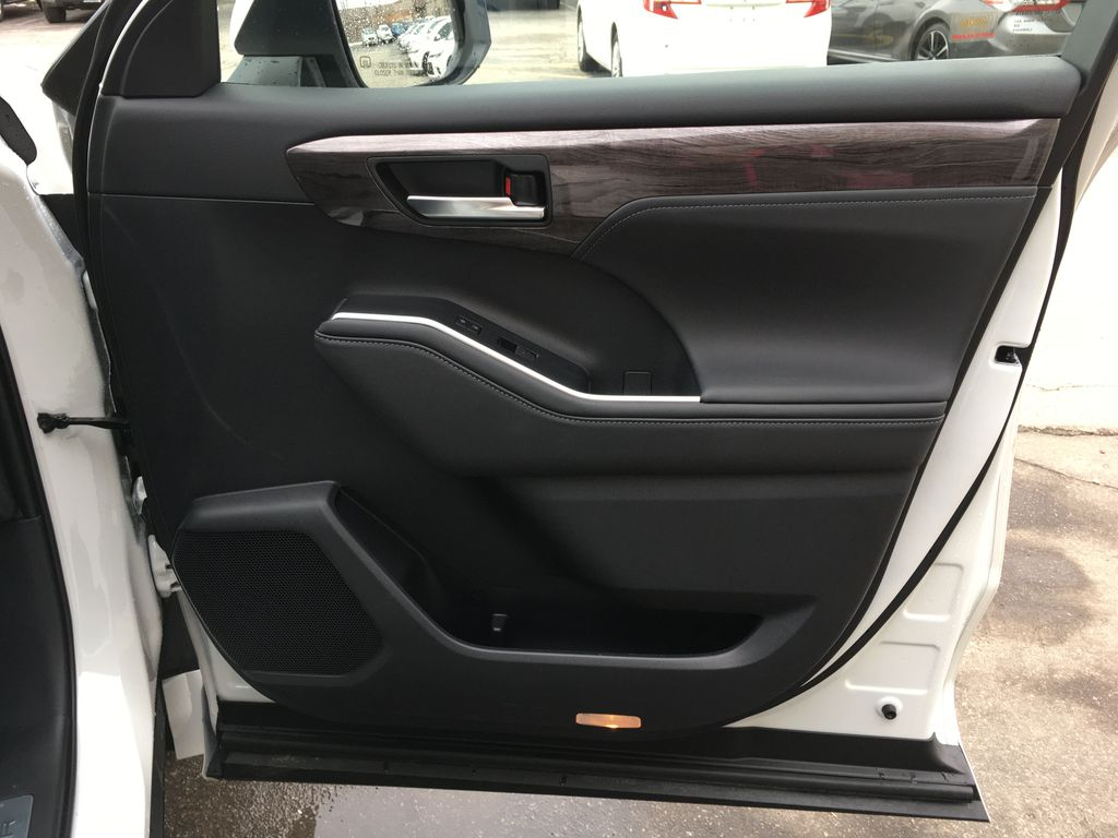 White[Blizzard Pearl] 2020 Toyota Highlander AWD Platinum Package DZRBHT BC Right Front Interior Door Panel Photo in Brampton ON
