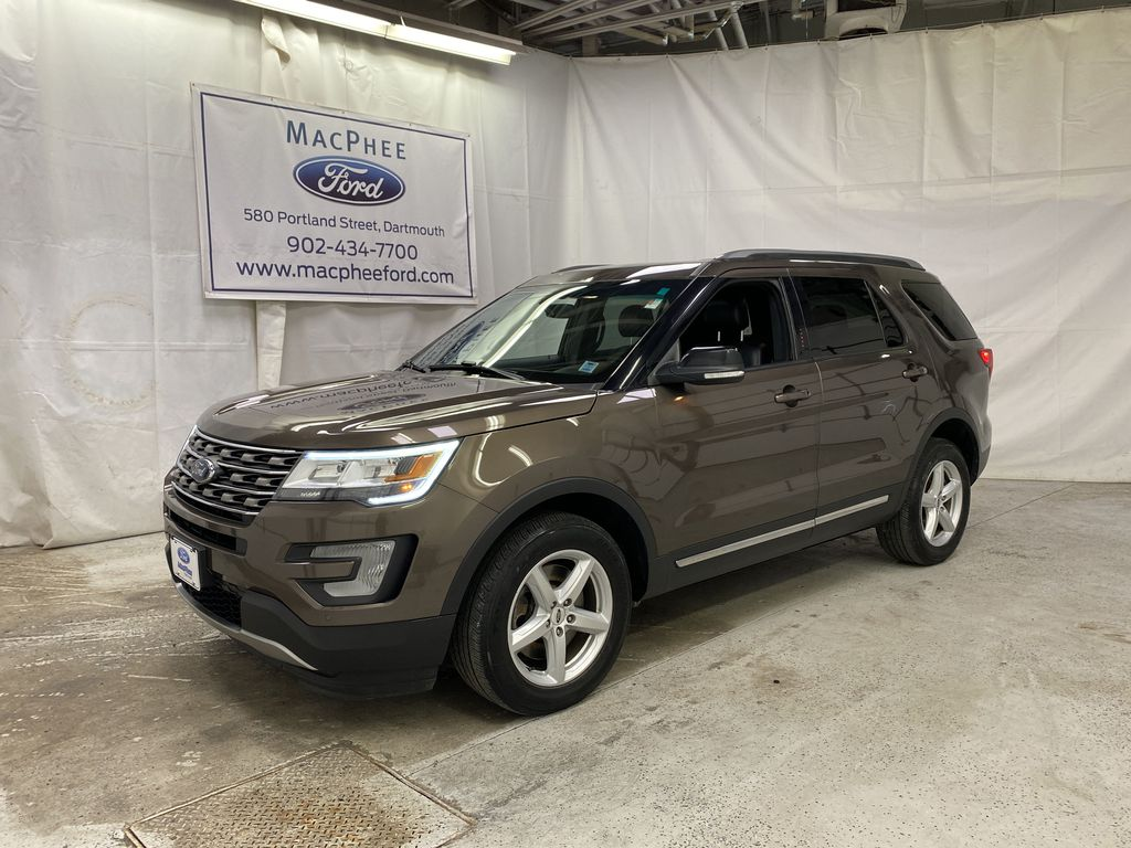 Brown[Bronze Fire Metallic Tinted Clearcoat] 2016 Ford Explorer