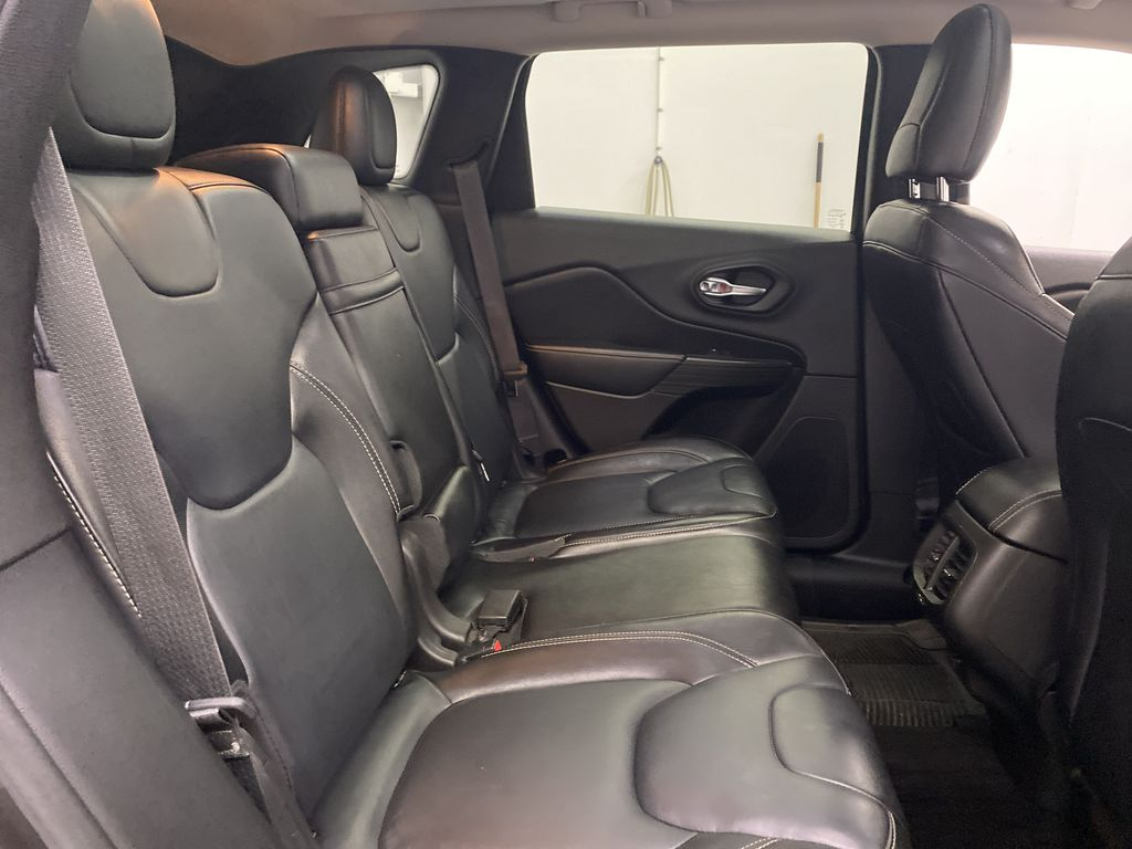 Black[Brilliant Black Crystal Pearlcoat] 2014 Jeep Cherokee Right Side Rear Seat  Photo in Dartmouth NS