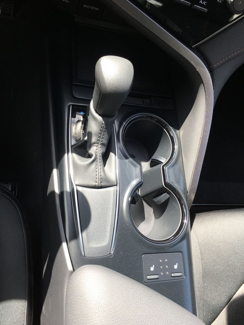 Gray[Pre-Dawn Grey Mica] 2020 Toyota Camry LE Standard Package B11HLT AM Center Console Photo in Brampton ON