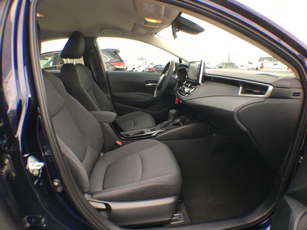 08X8 BLUEPRINT 2020 Toyota Corolla LE Standard Package BPRBLC AM Right Side Front Seat  Photo in Brampton ON