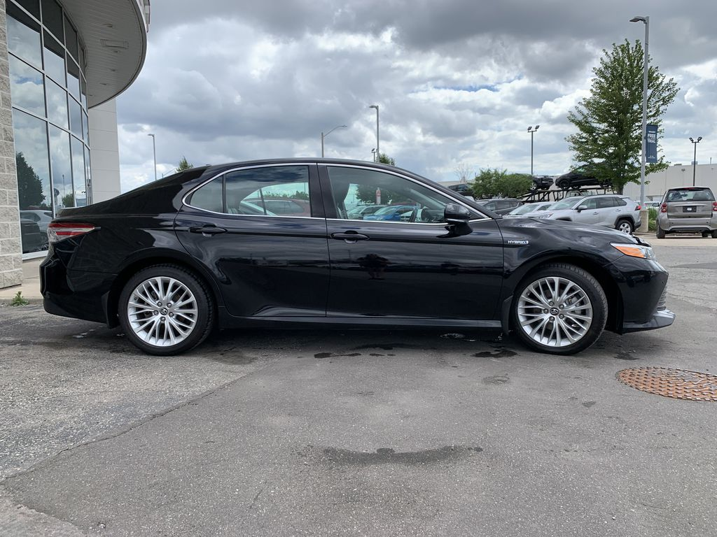 Black 2018 Toyota Camry Hybrid STOCK NOT FOUND Front Vehicle Photo in Brampton ON