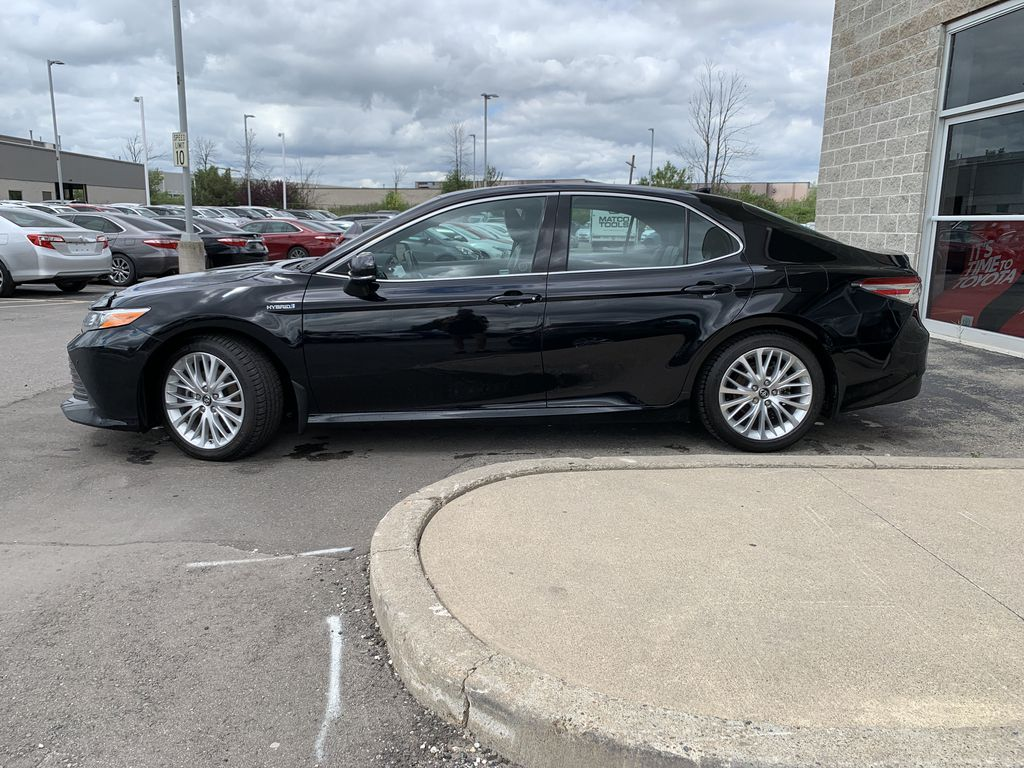 Black 2018 Toyota Camry Hybrid STOCK NOT FOUND Left Front Rim and Tire Photo in Brampton ON