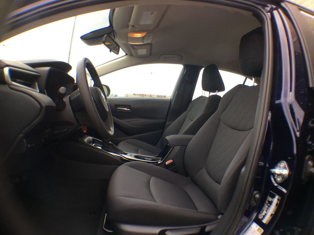08X8 BLUEPRINT 2020 Toyota Corolla LE Standard Package BPRBLC AM Left Front Interior Photo in Brampton ON