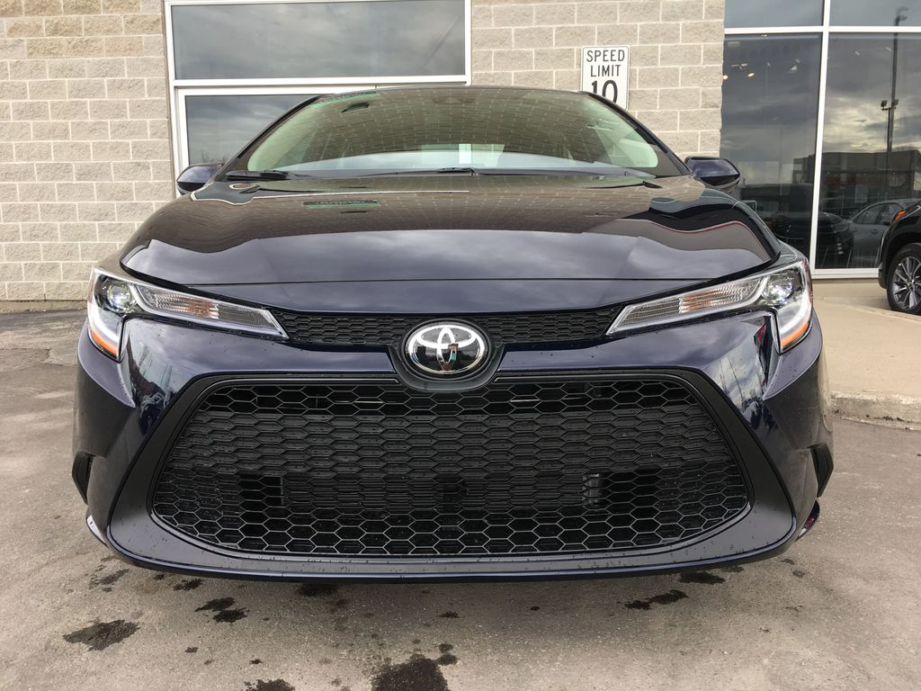 08X8 BLUEPRINT 2020 Toyota Corolla LE Standard Package BPRBLC AM Front Vehicle Photo in Brampton ON