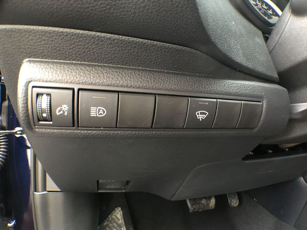 08X8 BLUEPRINT 2020 Toyota Corolla LE Standard Package BPRBLC AM Additional Photo 3 in Brampton ON