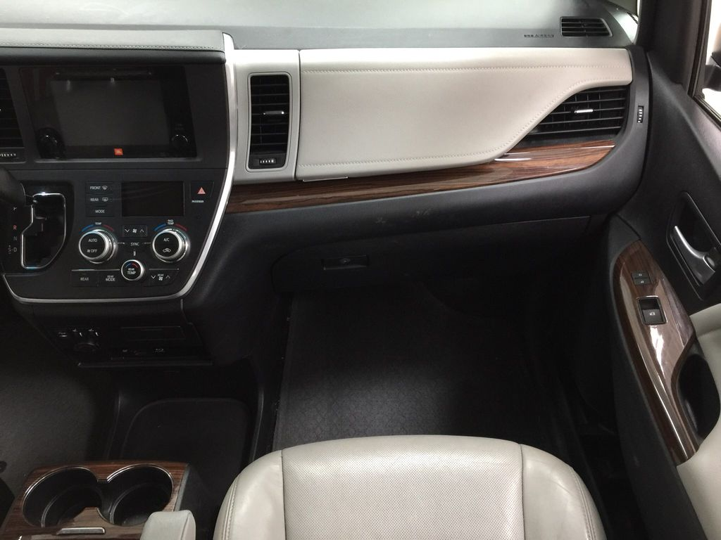White[Blizzard Pearl] 2015 Toyota Sienna Limited AWD Right Front Seat Photo in Sherwood Park AB