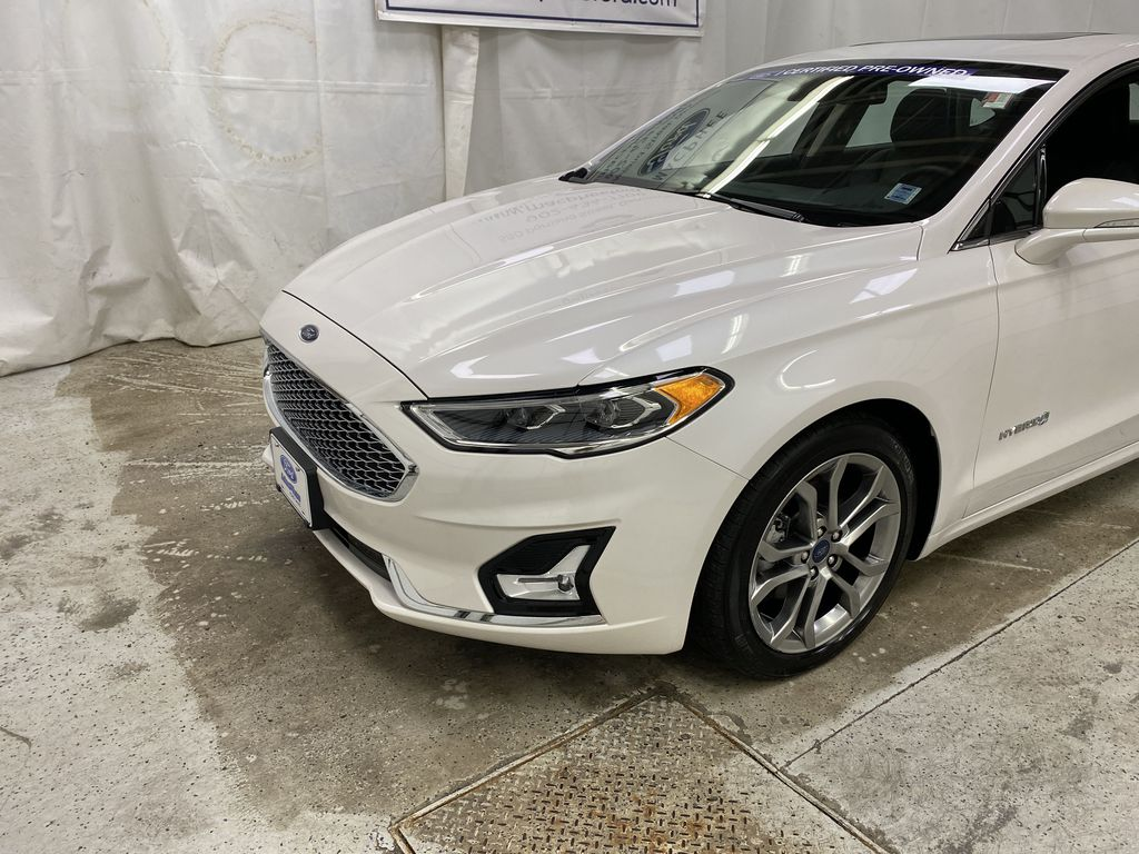 2019 Ford Fusion Hybrid Left Front Corner Photo in Dartmouth NS